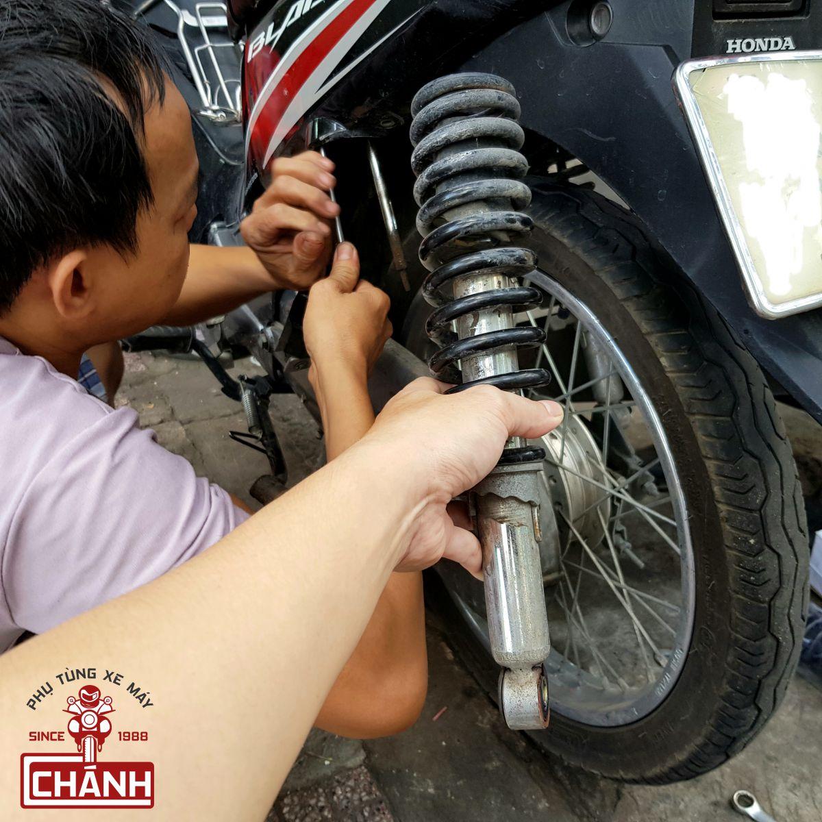 Phuoc-nhun-giam-xoc-sau-Kaifa-chinh-hang-xe-tho-1a