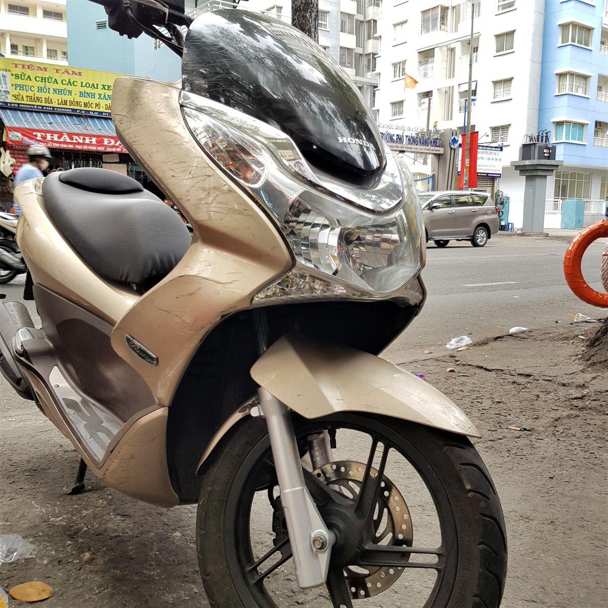 Phuoc-nhun-giam-xoc-truoc-PCX-Thai-Lan-chinh-hang-Honda-13