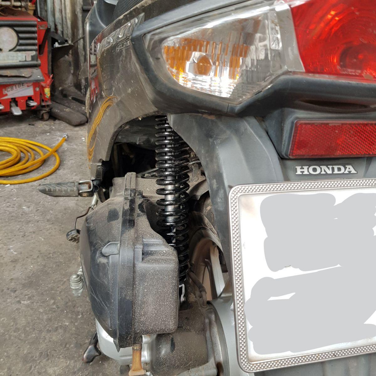 Phuoc-sau-Vision-chinh-hang-Honda-17