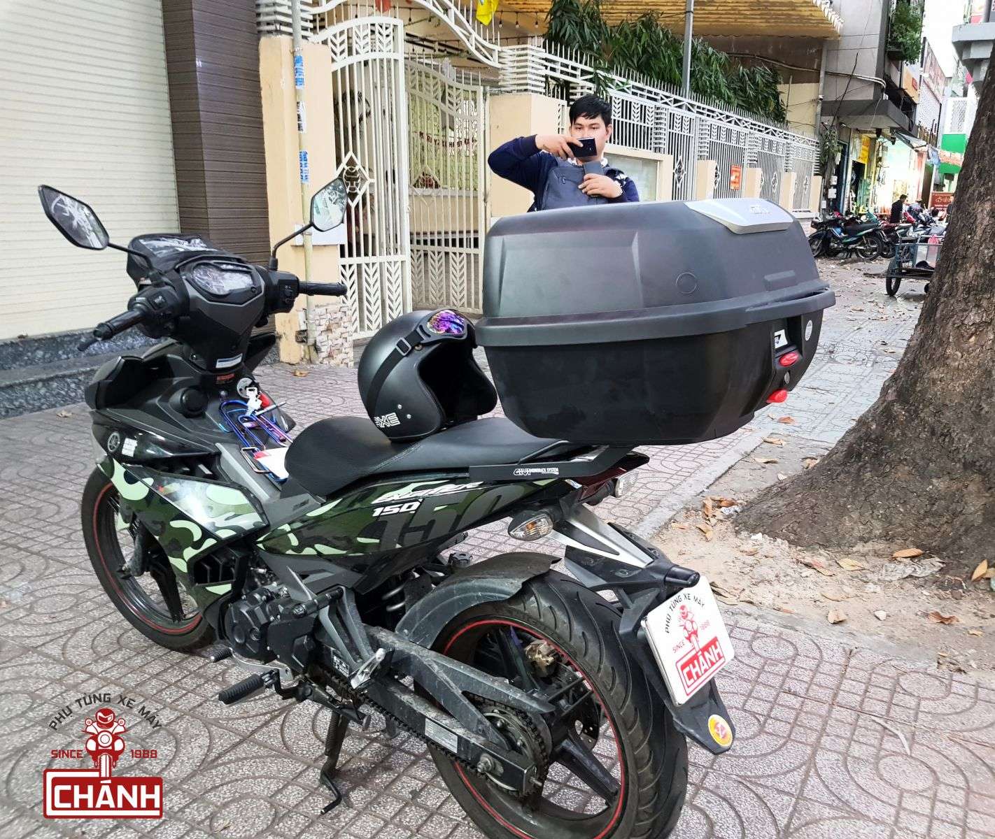 Thung-Givi-Exciter-150-1