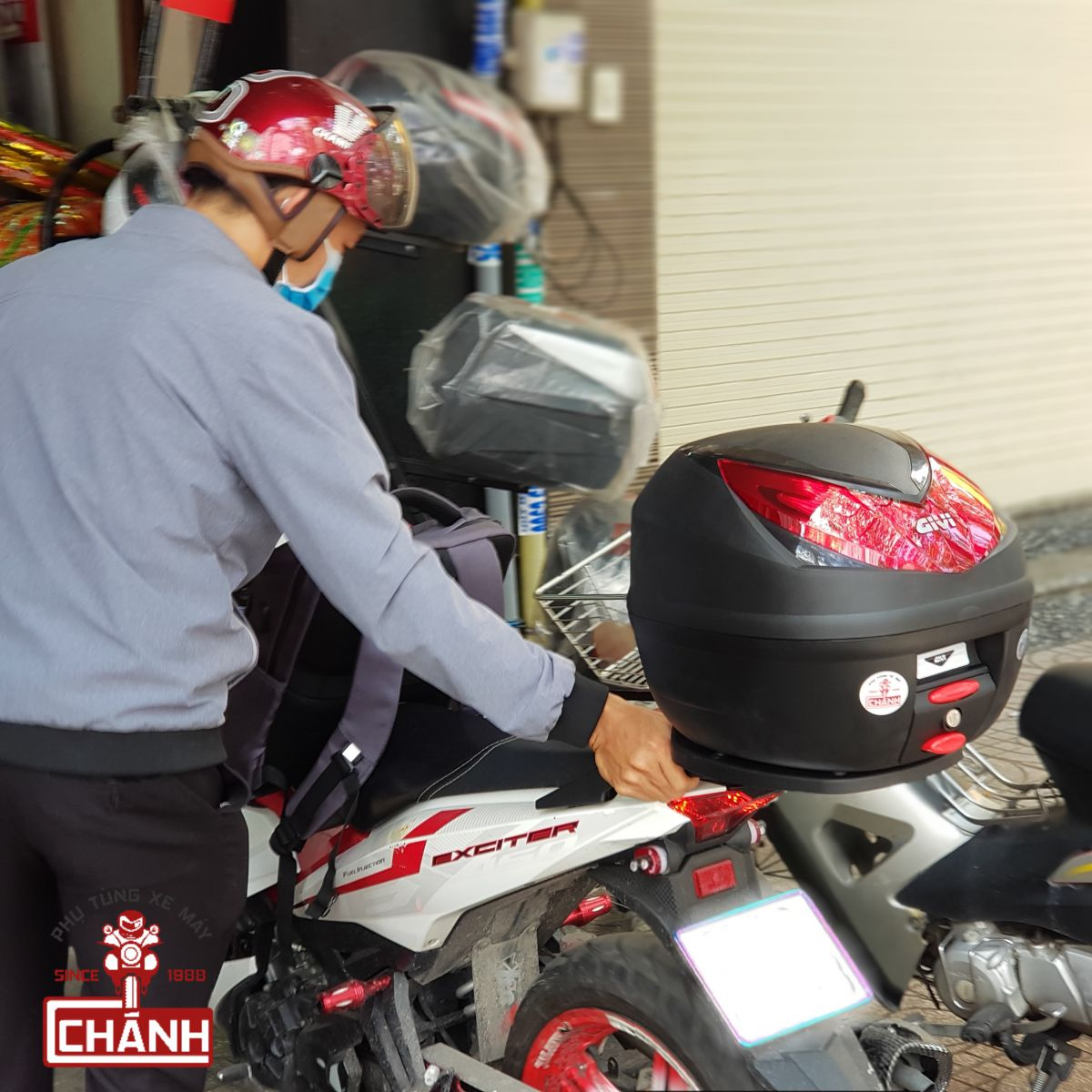 Thung-Givi-Exciter-150-11