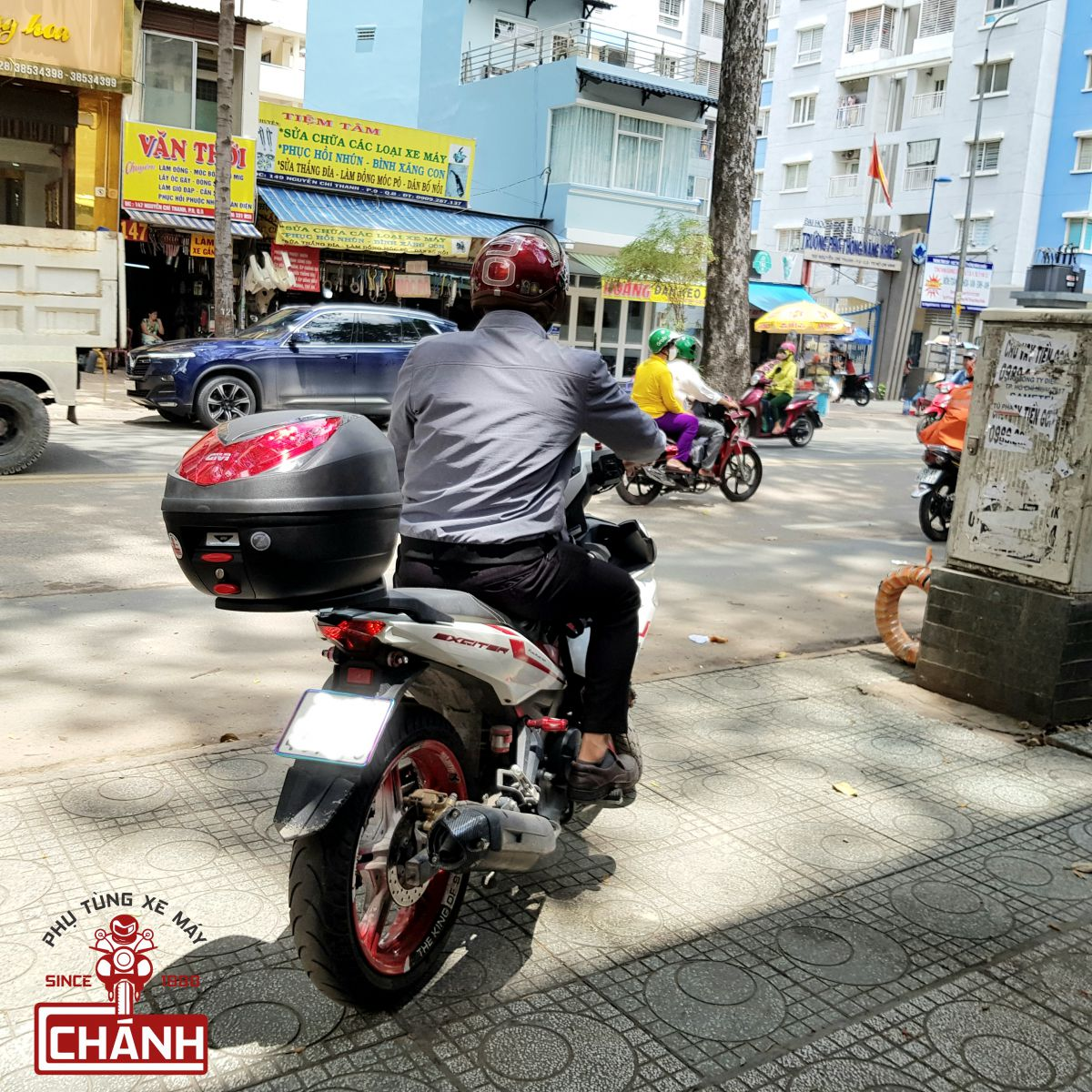 Thung-Givi-Exciter-150-13