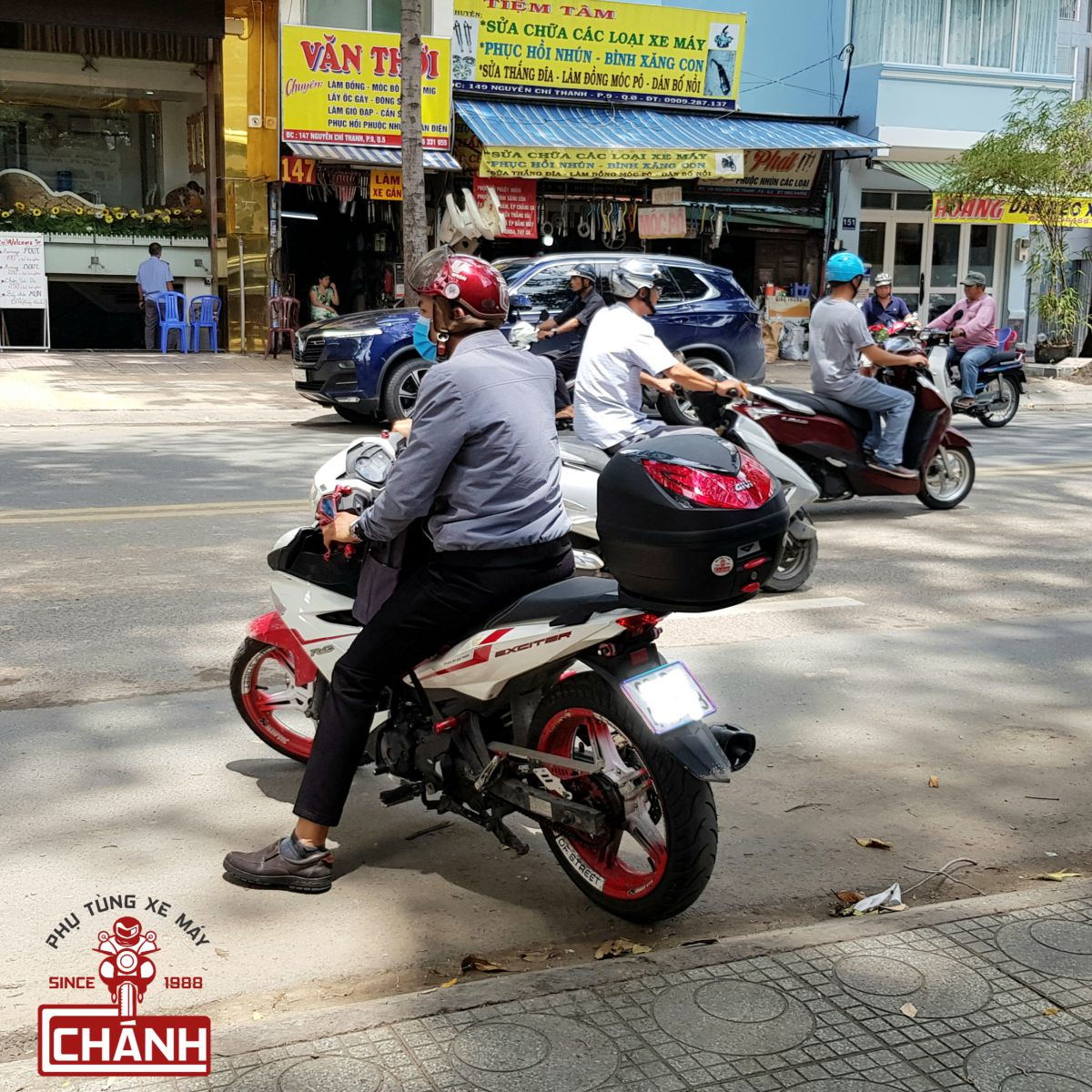 Thung-Givi-Exciter-150-14