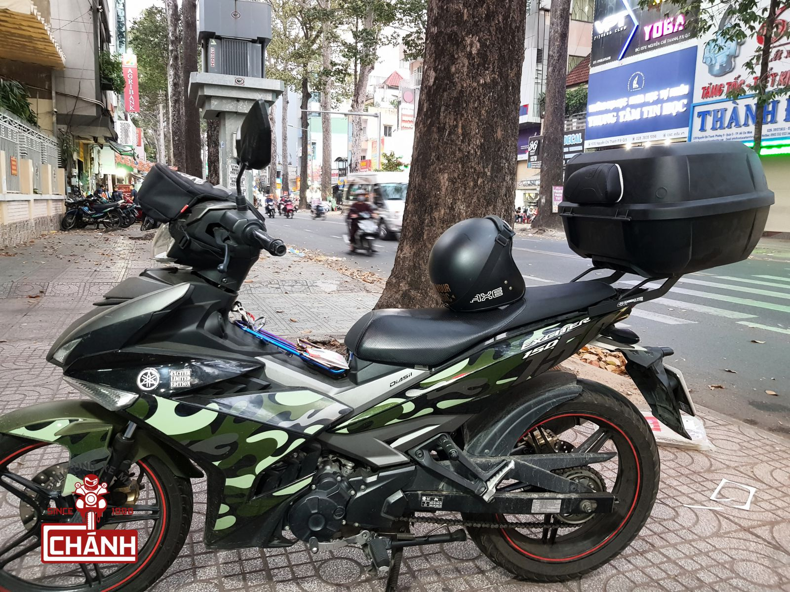 Thung-Givi-Exciter-150-2