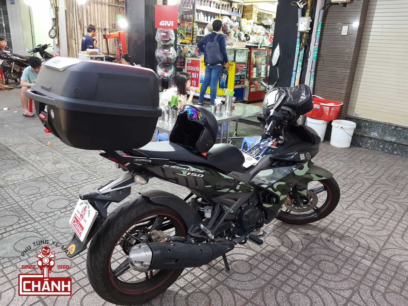 Thung-Givi-Exciter-150-3