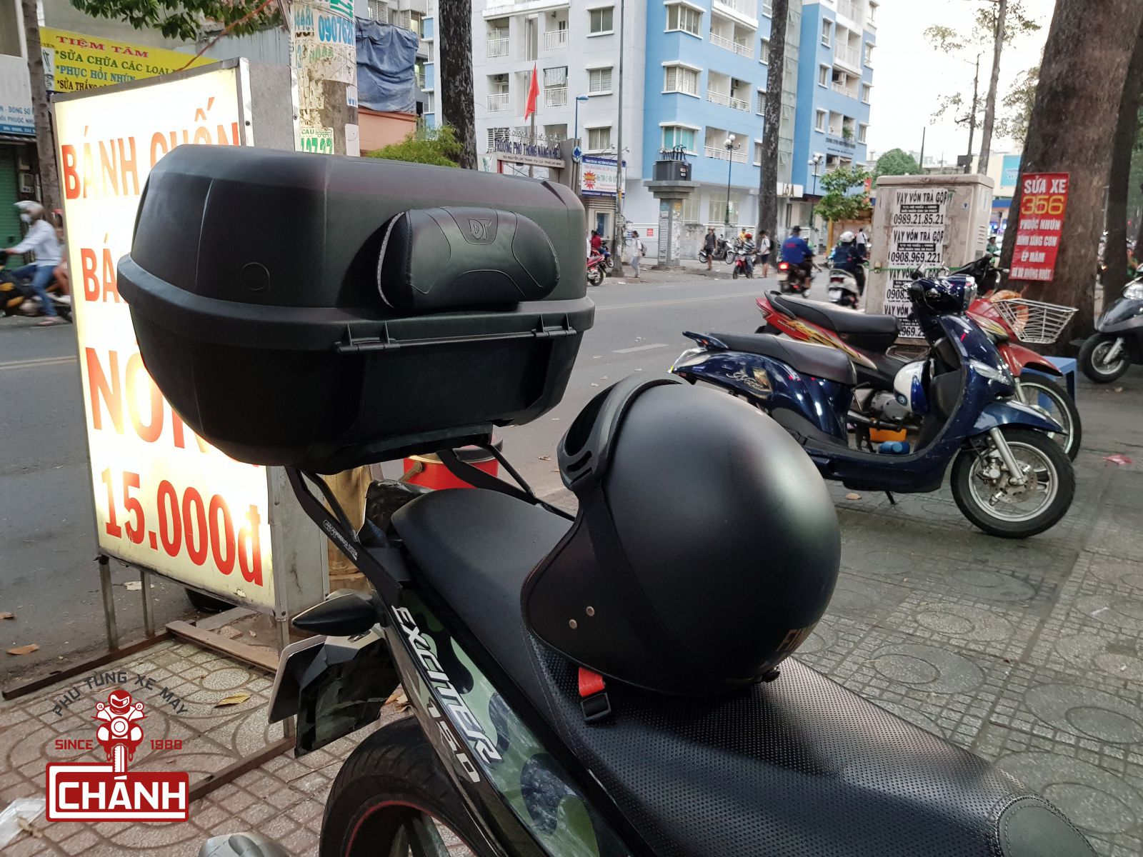 Thung-Givi-Exciter-150-4