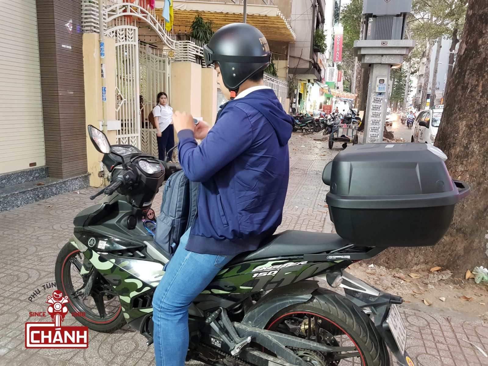 Thung-Givi-Exciter-150-5