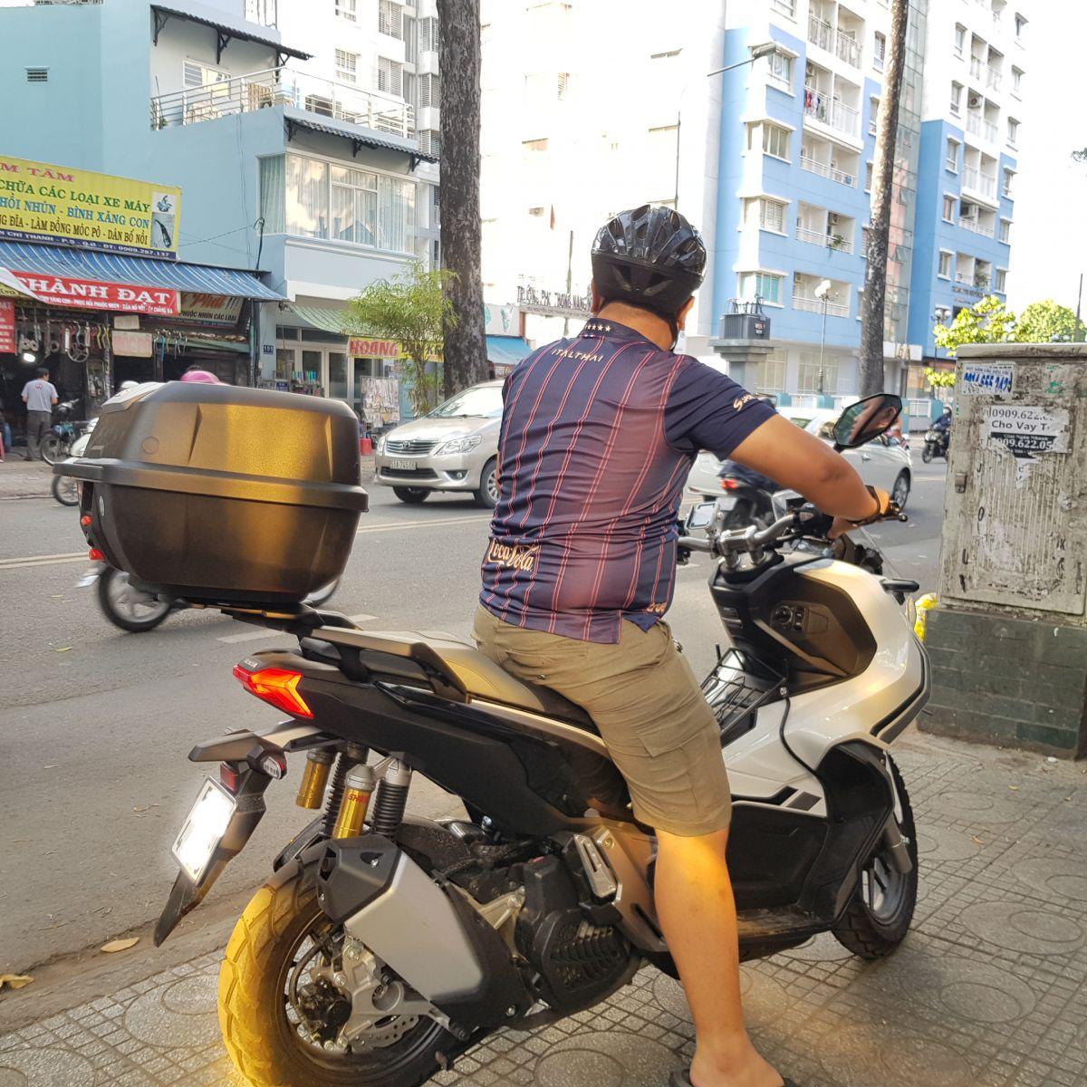 Thung-Givi-xe-Honda-ADV-150-1