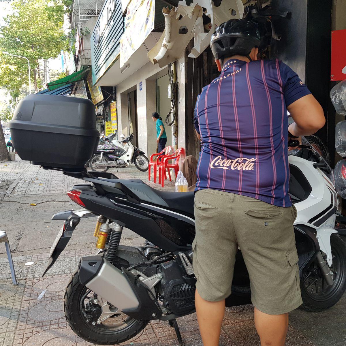Thung-Givi-xe-Honda-ADV-150-3