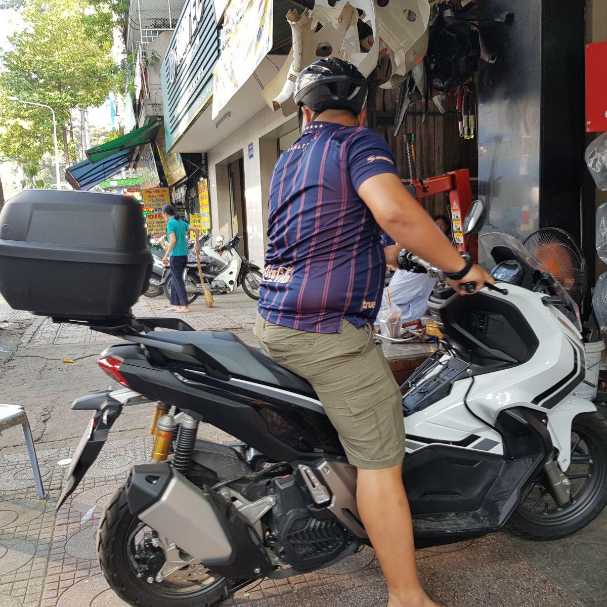 Thung-Givi-xe-Honda-ADV-150-4