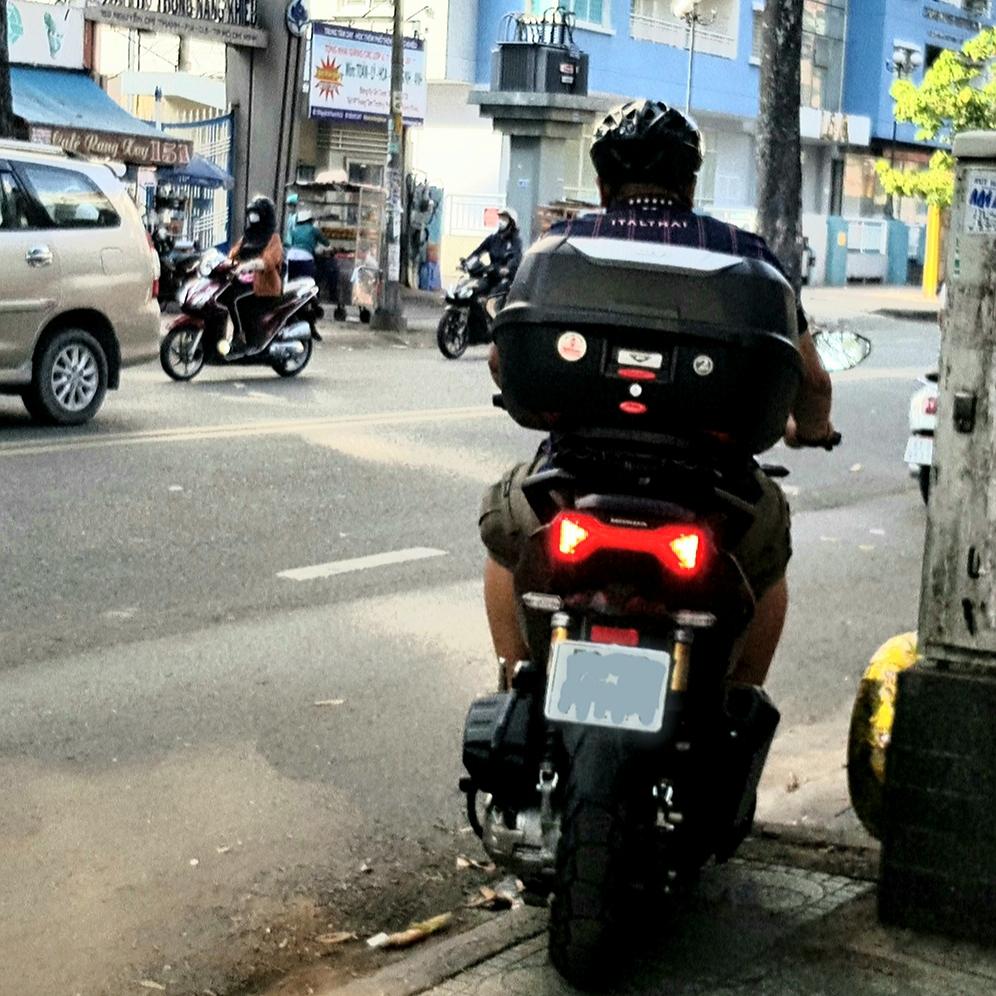 Thung-Givi-xe-Honda-ADV-150-5