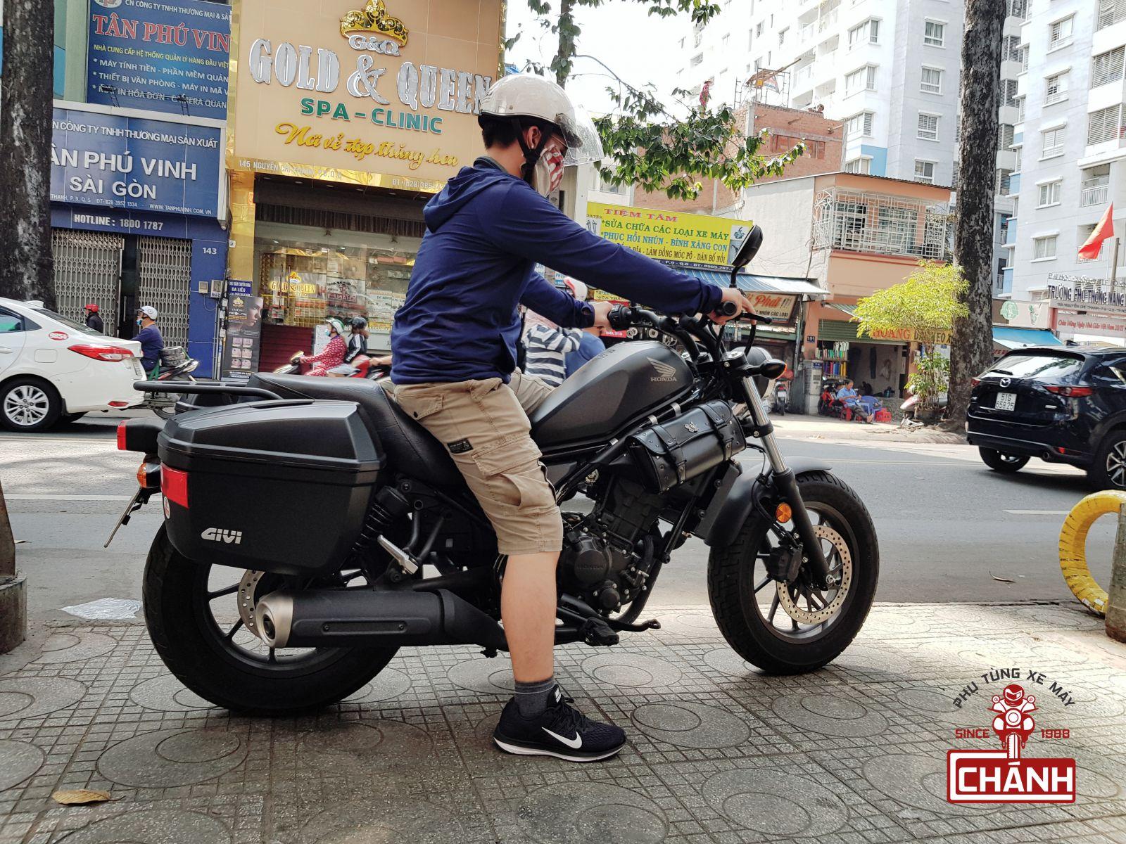 Thung-hong-Givi-E22N-7