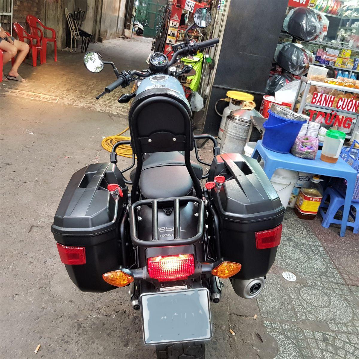 Thung-hong-givi-e22n-xe-honda-rebell-300-10