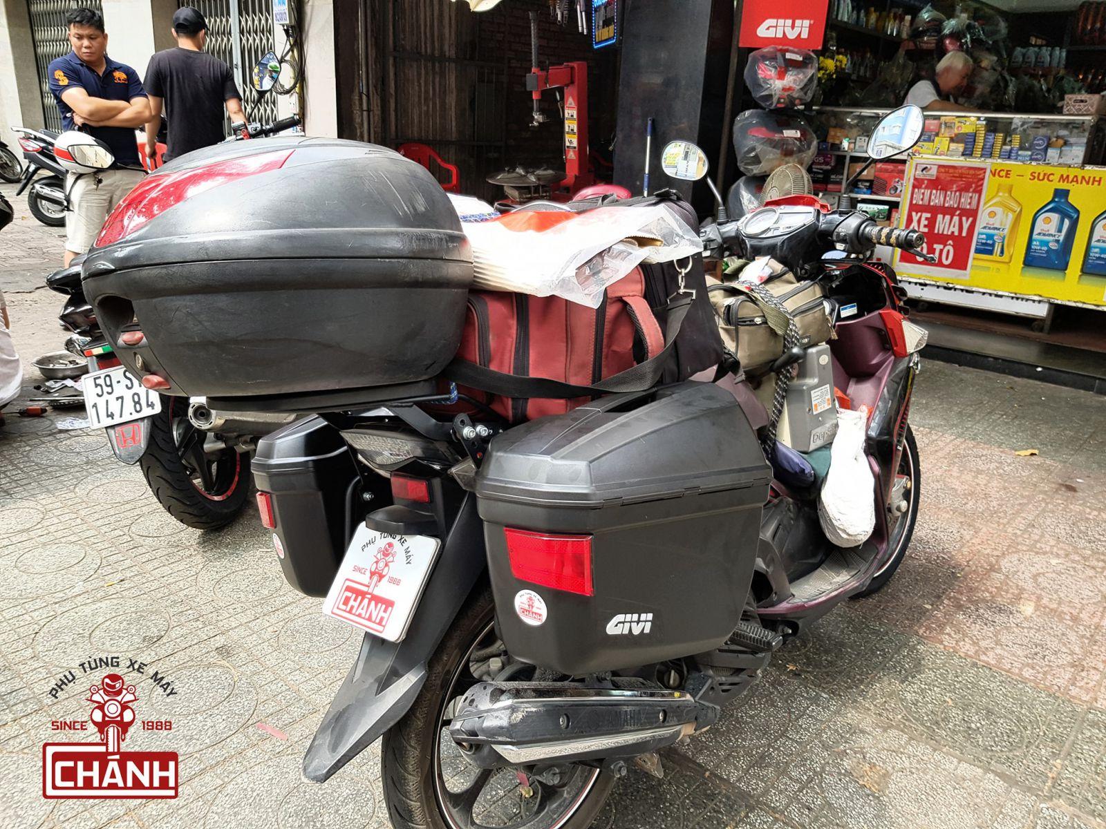 thung-hong-Givi-E22N-Nouvo-5-01